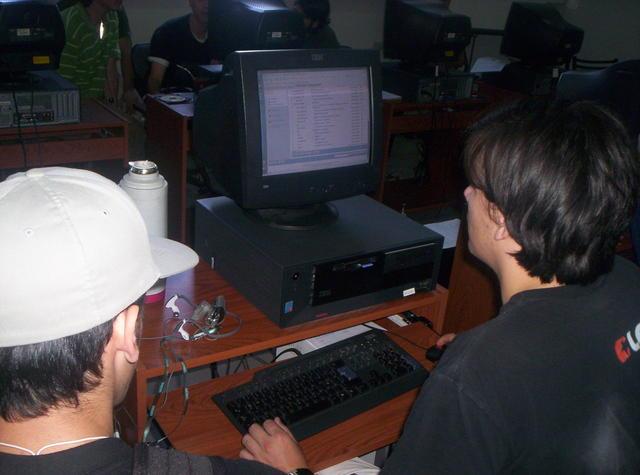 009 Dos nuevos usuarios de GNULinux