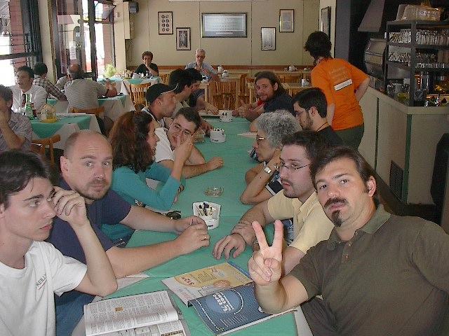 11  almuerzo  con  amigos