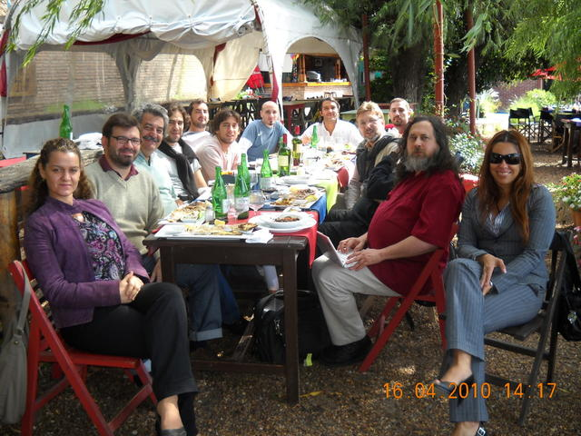 Almuerzo con Richard Stallman y miembros de la Municipalidad de Rosario II