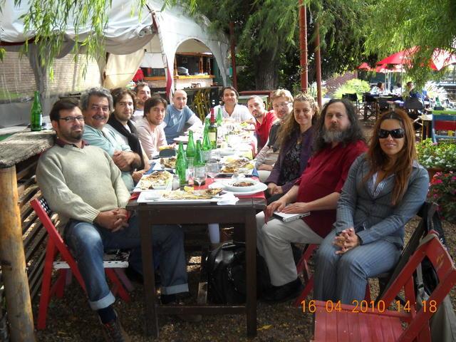 Almuerzo con Richard Stallman y miembros de la Municipalidad de Rosario III