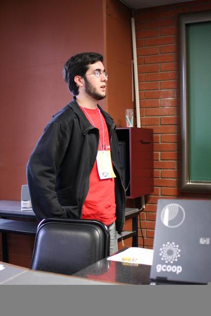Julio  C  Puigpinos